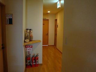 部屋の前.jpg